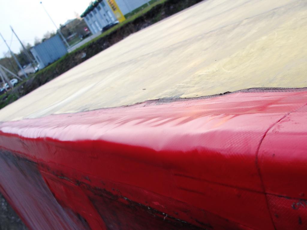 Ремонт разрыва ребра тента грузового автомобиля «МАЗ»